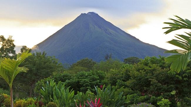 Costa Rica arenal-volcano